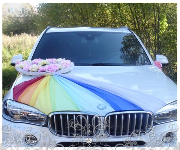 ukrasheniya-dlya-svadebnyh-avto